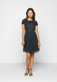 Lace & Beads Petite - NESSIA - Cocktailkjole - navy - 1