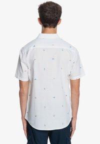 Quiksilver - YACHT ROCK  - Shirt - snow white yacht rock - 2
