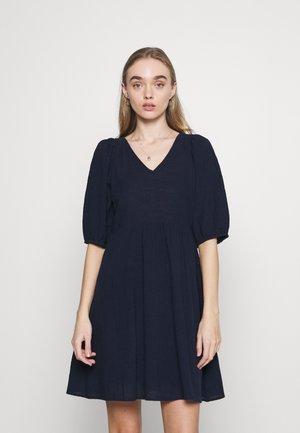 VMGABI DRESS  - Denní šaty - navy blazer
