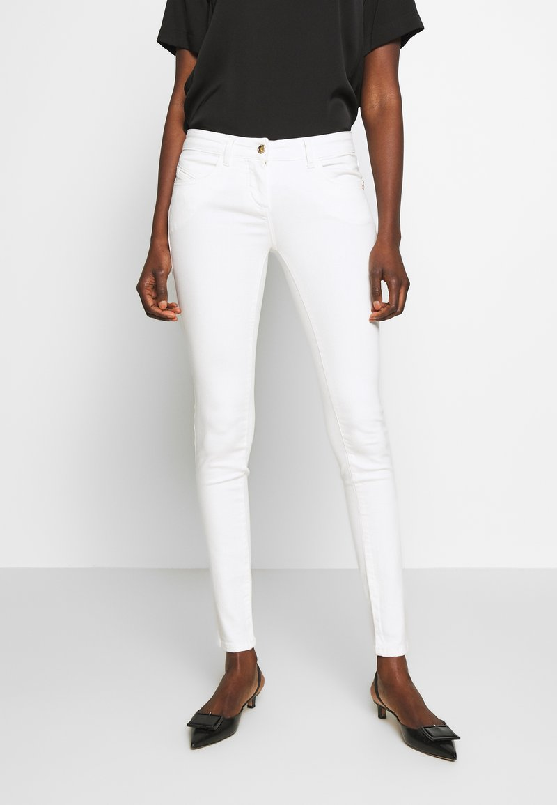 Patrizia Pepe - PANTALONI - Jeans Skinny Fit - bianco