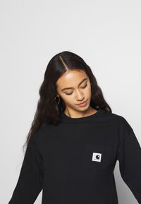 Carhartt WIP - POCKET - T-shirt à manches longues - black - 3