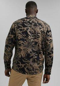 Esprit - MIT BOTANIK-PRINT - Shirt - black - 2