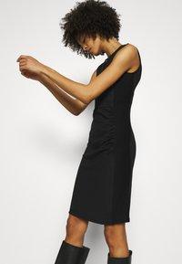 Anna Field - Fodralklänning - black - 3