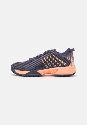HYPERCOURT SUPREME HB - Clay court tennis shoes - graystone/peach nectar