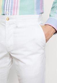Polo Ralph Lauren - STRETCH SLIM FIT CHINO PANT - Chino - pure white - 3
