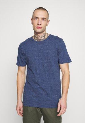 JORWINSTON TEE CREW NECK - T-shirt - bas - ensign blue