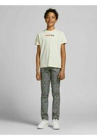 Jack & Jones Junior - MARCO PHIL - Trousers - beige - 3