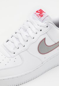 Nike Sportswear - AIR FORCE - Trainers - white/silver/anthracite/university red - 5