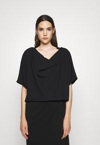 MM6 Maison Margiela - Print T-shirt - black - 0