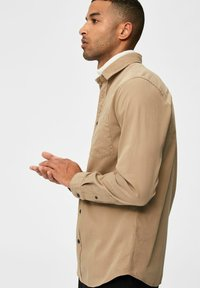 Selected Homme - REGULAR FIT - Overhemd - petrified oak - 4