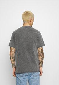 Converse - FASHION CUT AND SEW TEE - Print T-shirt - black - 2