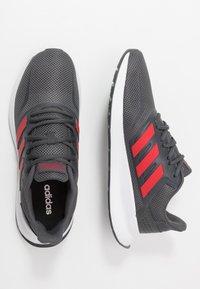 adidas Performance - RUNFALCON - Obuwie do biegania treningowe - grey six/scarlet/footwear white - 1