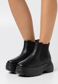 Koi Footwear - VEGAN - Platåstøvletter - black - 0