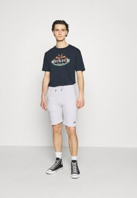Alpha Industries - BASIC SMALL LOGO - Shorts - white - 1