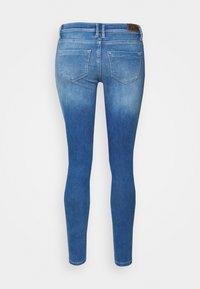 ONLY - ONLSHAPE LIFE REG - Jeans Skinny Fit - light medium blue denim - 6