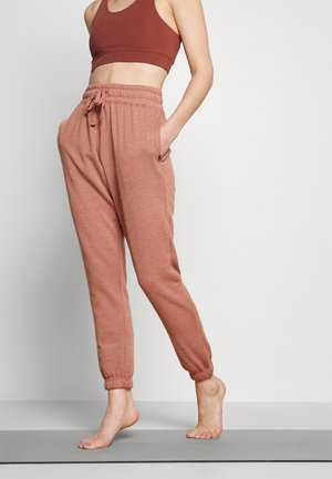 LIFESTYLE GYM TRACKPANT - Tracksuit bottoms - cashew marle