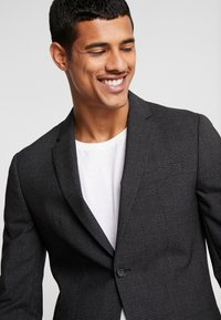 Calvin Klein Tailored - GRID CLASSIC SUIT - Suit - black - 3