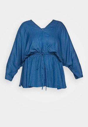 KIMONO SLEEVE PRINTED BLOUSE - Bluser - blue