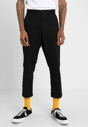 STRAGGLER FLOODED PANT - Trousers - black