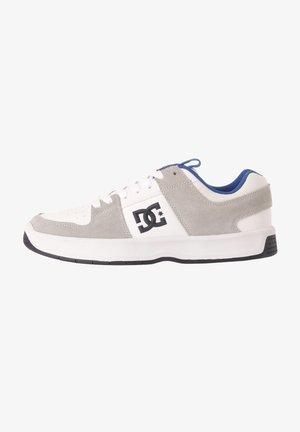 LYNX  - Skate shoes - white/blue/grey