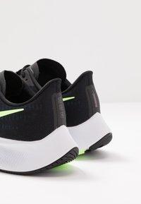 Nike Performance - AIR ZOOM PEGASUS 37 - Obuwie do biegania treningowe - black/ghost green/valerian blue - 5