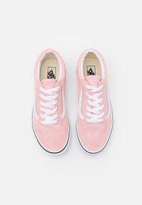Vans - OLD SKOOL - Tenisky - powder pink/true white - 3