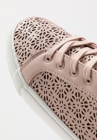 ALDO - STEPANIE - Sneaker low - light pink - 2