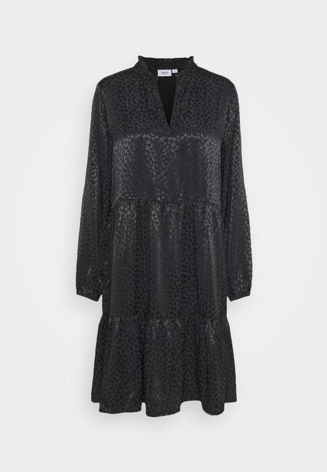 DENORA EDA DRESS - Hverdagskjoler - black