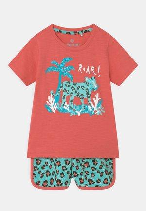 SMALL GIRLS SET - T-shirt print - tea rose