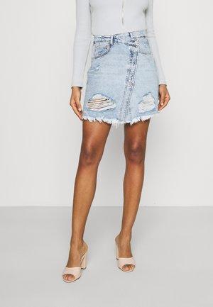 CROSSED DESTROYED SKIRT - Mini skirt - light wash