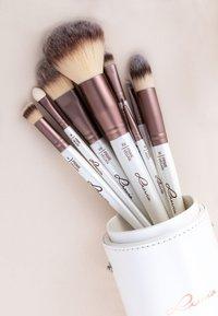 Luvia Cosmetics - BRUSH SET - Zestaw pędzli do makijażu - prime vegan - 7