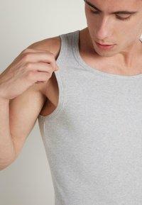 Tezenis - Undershirt - grigio mel.chiaro - 2