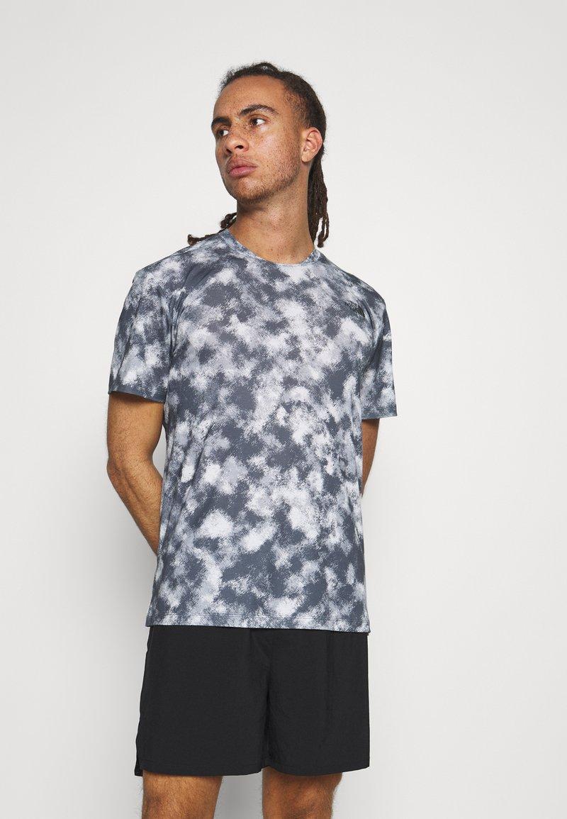 The North Face - PRINTED WANDER - Print T-shirt - vanadis grey