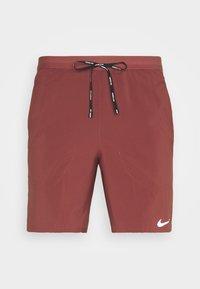 Nike Performance - FLEX STRIDE SHORT - Pantalón corto de deporte - claystone red/reflective silver - 0