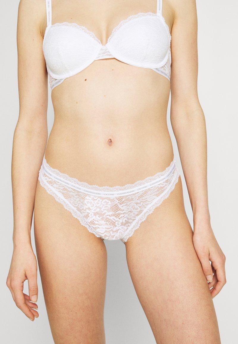 Calvin Klein Underwear - ONE BIKINI - Braguitas - white