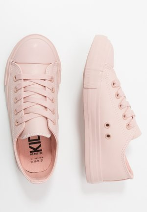 CLASSIC TRAINER LACE UP - Trainers - peach whip