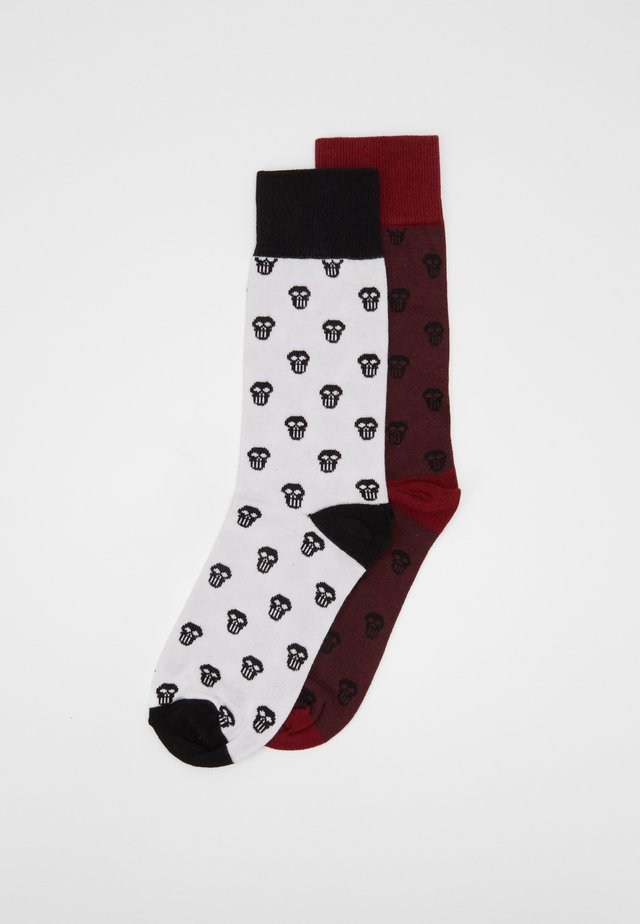 SKULL ALLOVER 2 PACK - Socks - cherry/white