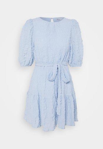 AMAZE ME PUFF DRESS - Cocktailkjole - light blue