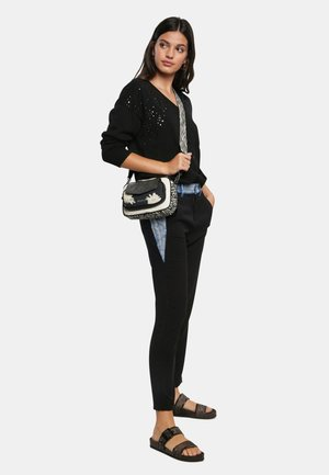 BOLS_NIGHT GARDEN CAMBRIDGE MINI - Across body bag - black