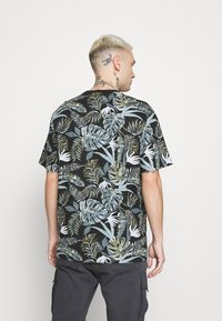 Only & Sons - ONSMELODY LIFE TEE - Print T-shirt - black - 2