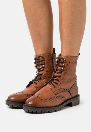 PURELY - Šněrovací kotníkové boty - tan