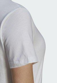 adidas Originals - Print T-shirt - white - 6