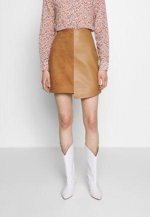 SLFAMIA SKIRT - Leather skirt - tobacco brown