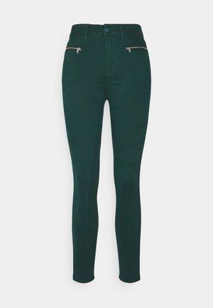 SARGA CREMALLERA - Jeans Skinny Fit - green