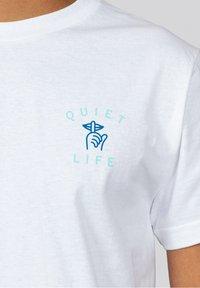 The quiet life - T-shirt imprimé - white - 2
