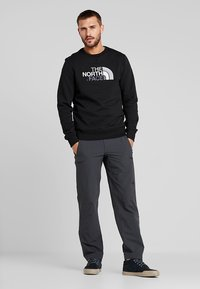 The North Face - MENS DREW PEAK CREW - Bluza - black - 1
