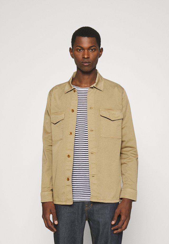 BERNER - Overhemd - khaki
