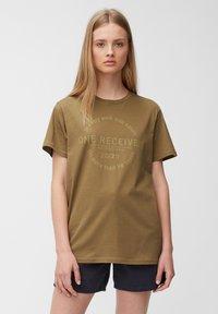 Marc O'Polo DENIM - Print T-shirt - brown ochre - 0