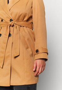 Vero Moda Curve - VMBERTA JACKET - Trench - tobacco brown - 6