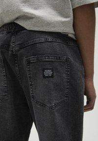 PULL&BEAR - Jeans Tapered Fit - black - 4